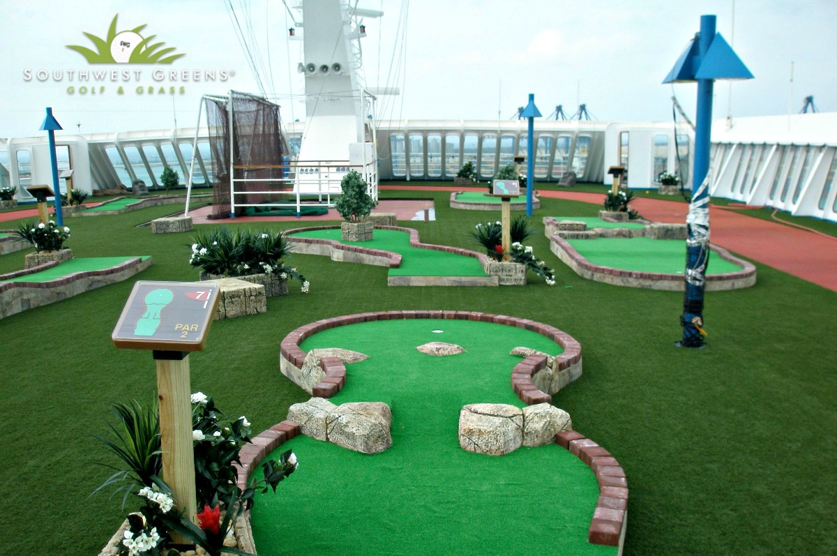 artificial putting greens from Southwest Greens