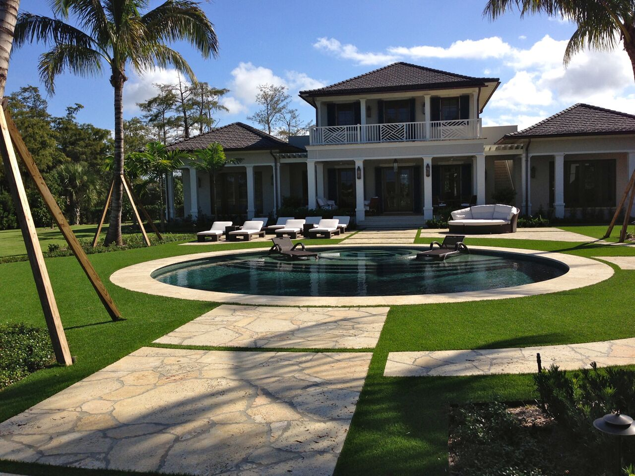 where can i get high-quality synthetic grass in florida this summer