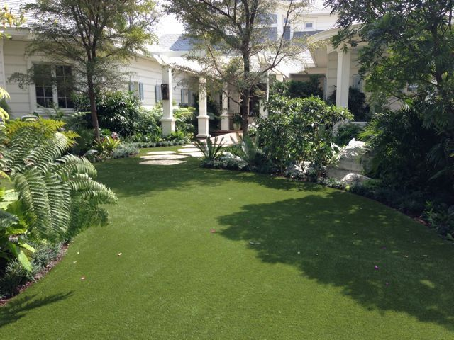should i use artificial grass in west palm beach