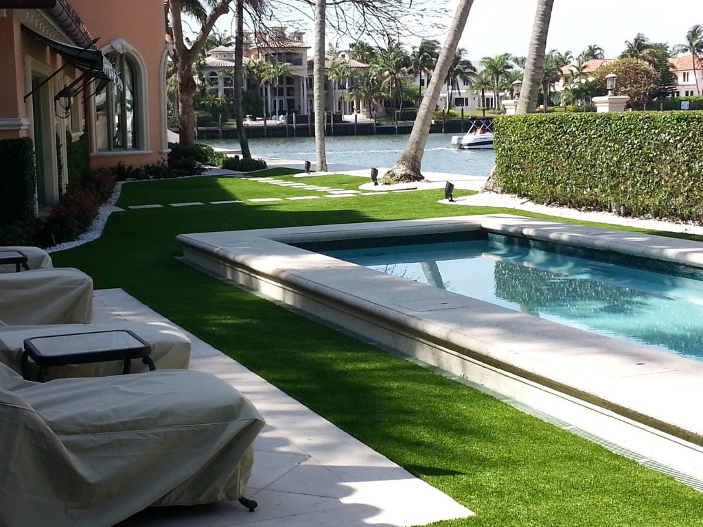 can plastic grass in florida withstand a storm