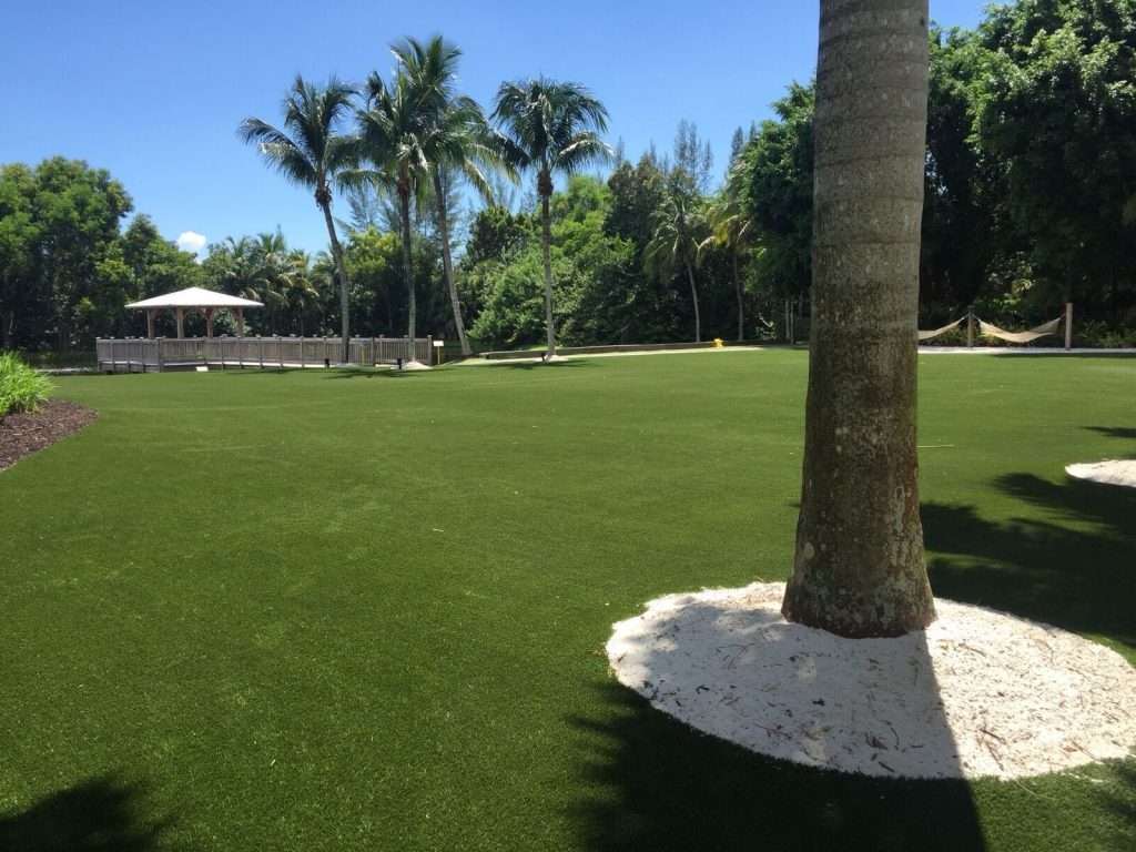 who offers the best artificial grass vero beach?
