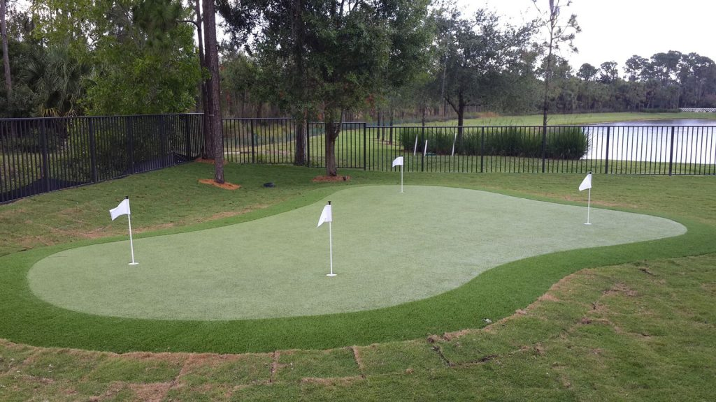 Where do I get synthetic putting greens in Florida?