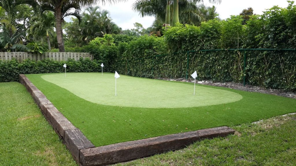 What are synthetic putting greens in Florida?