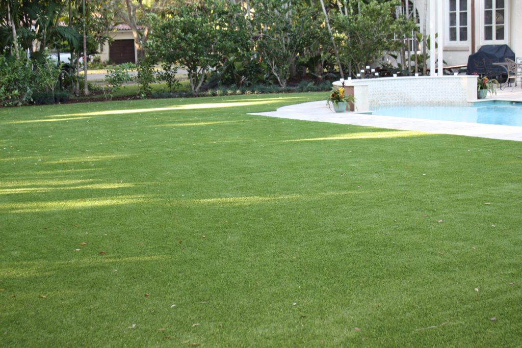 who offers artificial grass miami?